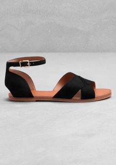 & Other Stories flat leather sandals (350 DKK).