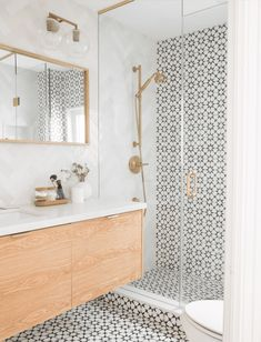 Bathroom Tile Designs, Bathroom Interior Design, Cement Tiles Bathroom, Toilet Tiles Design, Cleaning Ceramic Tiles, Best Bathroom Tiles, Shower Designs, Bathroom Images, Glass Tiles