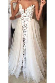 Ivory Wedding Dresses,2017 Wedding Gown,Lace V-neck Wedding Gowns,Tulle Bridal Dress,Brides Dress,Vintage Wedding Gowns,Special Wedding Dress,N156