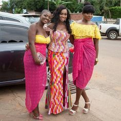 I Do Ghana | Mikafui in her second Kente look by Pistis Ghana surrounded by her girls