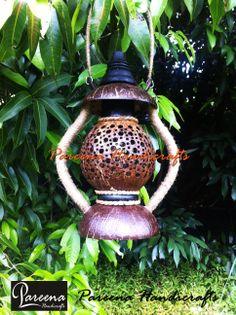 Pareena Handicrafts coconut shell products from Thailand.  http://www.coconutshellcrafts.com/