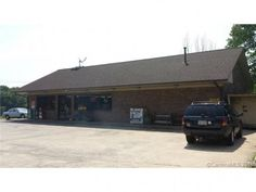 Business - Shelby, NC Convenient store and 2 rental homes for sale in Shelby NC \ Income producing property and business for sale in Cleveland County. Kings Mountain, Rental Homes, Commercial Property For Sale, Real Estate Marketing, Cleveland, Store, Business, Building, Outdoor Decor