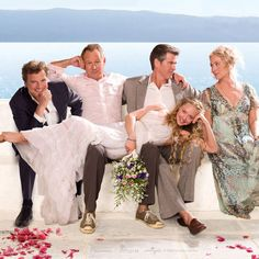 Boda Mamma Mia, Mamma Mia Wedding, Amanda Seyfried, Meryl Streep, Iconic Movies, Good Movies, Does Your Mother Know, Pierce Brosnan, Colin Firth