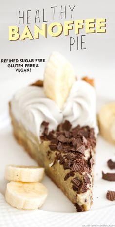 Classic Banoffee Pie has bananas, toffee, chocolate, sweetened condensed milk, butter, and refined sugar...  but not this one!  This is a HEALTHY Banoffee Pie (refined sugar free, gluten free, dairy free, vegan)