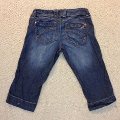 Rewind  cropped  size 5 jeans Gently worn , size 5 , stretchy Rewind Jeans Ankle & Cropped