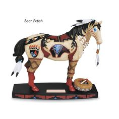 Bear Fetish Horse of a Different Color Pony Horse, Horse Girl, All The Pretty Horses, Beautiful Horses, Horse Artwork, Horse Paintings, Statue Tattoo, Baby Sea Turtles, Indian Horses