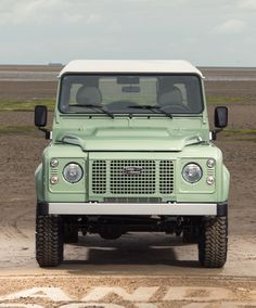 "Land Rover Defender ""Heritage"" edition. -M"