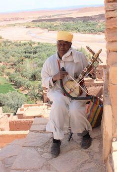 Morocco: Man playing a rebab at Ait Ben Haddou