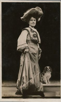 CAVALIER KING CHARLES SPANIEL & ACTRESS MARIE GEORGE PHOTOGRAPHIC DOG POSTCARD