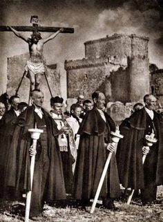 José Ortiz Echagüe. Procesión en Turégano, 1947.