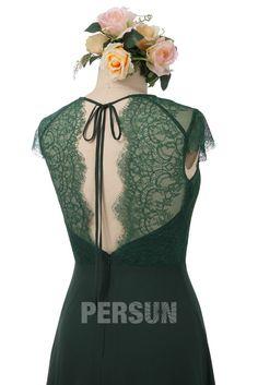Vous faites partie des témoins et souhaitent commander une robe élégante avec un peu d'originalité dans le dos ? Cette robe de soirée mariage en mousseline & dentelle vert foncé vous crée un look uni & unique grâce à sa féminité et la simplicité. #vert #vertsapin #dos #dentelle Victorian, Chic, Tops, Dresses, Bun Hair, Vestidos, Green Party Dress, Green Lace, Ballroom Dress