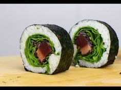 How to make seared tuna sushi rolls - Learn how to create stunning sushi dishes with the guidance of self-taught sushi chef, Davy Devaux. Smoked Salmon Sushi, Smoked Salmon Recipes, Vegan Sushi Rolls, Sushi Roll Recipes, Sushi Recipe Video, Crab Sushi Roll, Nigiri Sushi, Sashimi, Sushi Dishes