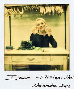 """Miriam Nori, titolare di Iron, crede nell'imperfezione come valore di un nuovo canone estetico.  Miriam Nori, owner of Iron, believes in """"imperfection"""" that is, for her, a new aesthetic value."""