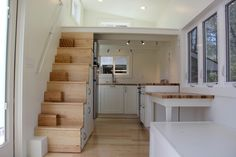 the absolute perfect layout: huge kitchen, nice bathroom with tub. built in stairs
