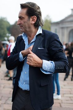 Should Shirt Sleeves Exceed the Jacket Sleeves... | SOLETOPIA