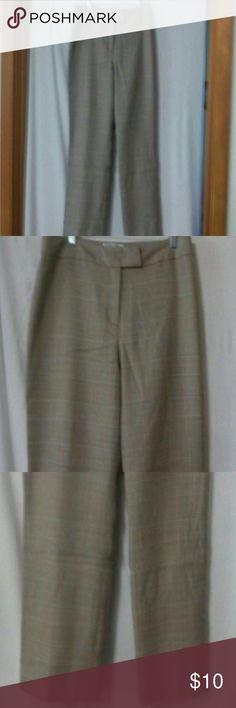 """Pendleton Women's Size 8 Career Dress Pants Barely worn, tan, beige and orange tweed pattern, zipper with an inside metal closure and anchor button, two back slit button pockets, lined, virgin wool, dry clean, waist 32"""", front rise 10"""", inseam 28"""" Pendleton Pants"""