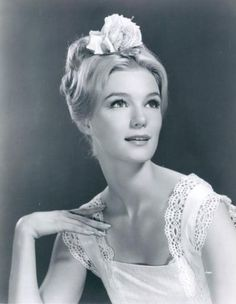 Picture of Yvette Mimieux Old Hollywood Glamour, Vintage Hollywood, Hollywood Stars, Classic Actresses, Beautiful Actresses, Actors & Actresses, Divas, Yvette Mimieux, Brooklyn Girl