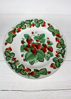 Vintage Very Strawberry Dinner Plates Set of by NanasAtticFairy