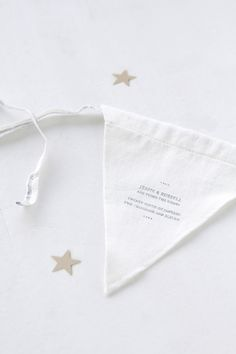 Could ask guests to bring it to the party and string together as a symbol of babies' community coming together. Party Invitations, Diy Garland, Garlands, Cottage Wedding, Diy Inspiration, Diy Couture, Colorful Party, Get The Party Started, Stars