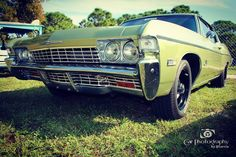 #68impala at #floridaautoauction in #ftlauderdalefl . I really like this color combo. #carphotographybyjjgarcia #impala #chevy #68chevyimpala ##chevyimpala