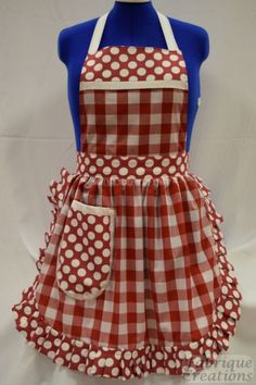 Retro Vintage Style Full Apron / Pinny - Red White Check by FabriqueCreations on Etsy Retro Apron Patterns, Vintage Apron Pattern, Aprons Vintage, Retro Vintage, Vintage Sewing, Dress Patterns, Sewing Patterns, Bib Apron, Apron Dress