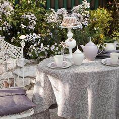 """Ottomann"" Table cloth by Leitner Leinen · www.labella-amara.com Frankfurt, Linen Bedding, Vase, Curtains, Fabric, Design, Dreams, Home Decor, Linen Fabric"