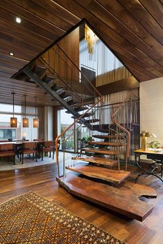 Staircase in huge NYC apartment. - Stairs, Designs Of Stairs Inside House, Home Stairs Ideas, Staircase Design Ideas, Modern And Retro Staircase Designs For Big And Small Homes Home Interior Design, Interior Architecture, Room Interior, A Frame House, Diy Furniture Plans, Organic Modern, Wood Plans, Staircase Design, Rustic Staircase