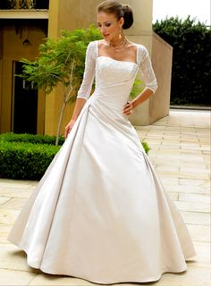 Image from http://www.jqweddings.com/wp-content/uploads/2015/04/wedding-dresses-with-sleeves-ideas.jpg.