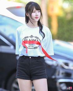Kpop Girl Groups, Korean Girl Groups, Kpop Girls, Sexy Asian Girls, Beautiful Asian Girls, Extended Play, K Pop, Military Women, G Friend
