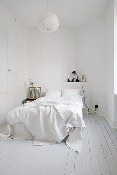 40 Minimalist Bedroom Ideas |  White Floor