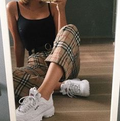 School outfits, fall outfits, spring outfits for teen girls, trendy outfits, cute Cute Casual Outfits, Retro Outfits, Grunge Outfits, Stylish Outfits, Vintage Outfits, 90s Style Outfits, Korean Casual Outfits, 90s Inspired Outfits, Mode Outfits