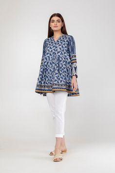 Khaadi Official Online Shopping Store for Women,Men And Kids Clothing Shirt Design For Girls, Girls Frock Design, Fancy Dress Design, Stylish Dress Designs, Simple Pakistani Dresses, Pakistani Dress Design, Pakistani Fashion Party Wear, Pakistani Outfits, Designer Kurtis
