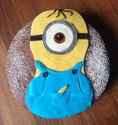 Minion Kuchen, Kinderkuchen Food Humor, Funny Food, Minions, Pillows, Food Coloring, Children Cake, Food For Kids, Projects, The Minions