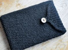 Hey, I found this really awesome Etsy listing at https://www.etsy.com/listing/168154395/knitted-laptop-sleeve-case-for-13-inch