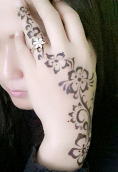 simple mehndi, love this pattern