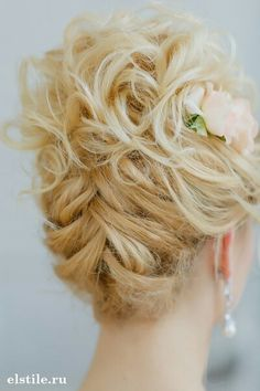 Unsure on which direction to go in for your hairstyle on the wedding day? here are another gorgeous collection of hair-dos for your big day from Elstile, take a Braided Hairstyles For Wedding, Up Hairstyles, Pretty Hairstyles, Updo Hairstyles For Wedding, Bridesmaid Updo Hairstyles, Mother Of The Bride Hairstyles, Short Hair Wedding Updo, Hair Dos For Wedding, Mother Of The Bride Hair Short