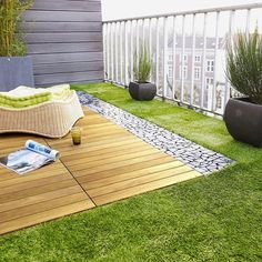 Looking for artificial grass Perth? Get best & affordable artificial grass installation in Perth. To know artificial grass cost, price or quote call now! Outdoor Balcony, Rooftop Garden, Balcony Garden, Outdoor Decor, Balcony Ideas, House With Balcony, Balcony Plants, Indoor Garden, Balcony Design