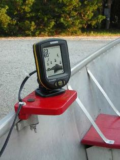 fish finder with no holes