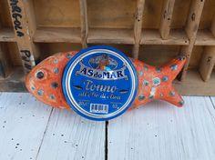 Pesce rosso in ceramica / ceramic red fish / anche i pesci hanno un cuore / pesce con cuore / tuna box handmade fish di QBceramics su Etsy