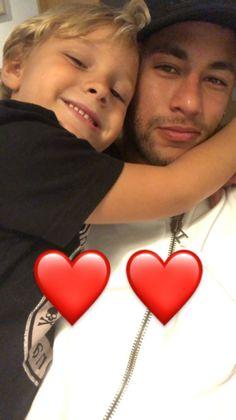 Neymar via InstaStory Neymar Jr, Football Players, Men, Hearts, Hs Sports, Soccer, Soccer Players, Guys
