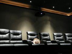 Dark Ceiling, trim, rope light