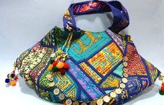 Bolso de Harmony Culture en Trébole http://www.treboleregalos.com/bolsos-mujer/28368-bolso-textil-tonos-azules-de-harmony-culture-000000615051.html