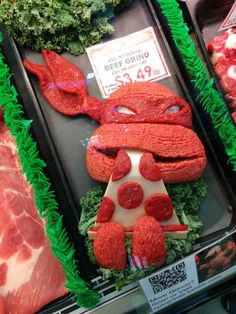 sculptures en viande hachee geek 1   Les sculptures en viande hachée de Epic Grinds   viande Sculpture pop culture Kieran Gormley hache