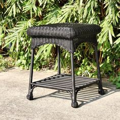 Wicker Lane OTI001-D Outdoor Black Wicker Patio Furniture End Table Wicker Lane,http://www.amazon.com/dp/B003S7O42W/ref=cm_sw_r_pi_dp_4DtLsb1XTTS9MJ6K