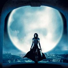 Although Tess is pictured on the cover in a short leather jacket (and looks super sultry), she actually wears a trench coat much like the one Kate Beckinsale rocked in Underworld. Underworld Selene, Underworld Movies, Underworld Kate Beckinsale, Sci Fi Games, Vampires And Werewolves, Star Wars, Movie Wallpapers, Resident Evil, Werewolf