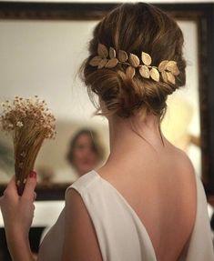 """1,527 Me gusta, 10 comentarios - Zankyou España (@zankyou_bodas) en Instagram: """"Novias de estilo griego Tocado: @rebulldesign #novia #bride #weddinginspiration #inspiration"""""""