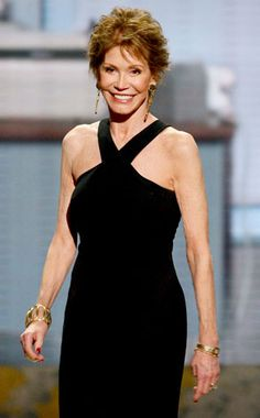 Mary Tyler Moore- died 1/25/17 She was 80. Thanks for the laughs and all the great examples of how to dress beautifully.