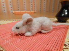 Plstěná šedá myš