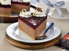 Black Forest Cheesecake, a wonderful no-bake dessert No Cook Desserts, Dessert Recipes, Black Forest Cheesecake, Avocado Tree, Romanian Food, Cheesecakes, Tiramisu, Deserts, Pudding