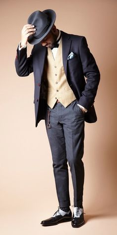 Martell Campbell: The Great Gatsby Look love the pants - Colors and style - Look Gatsby, Gatsby Style, Gatsby Man, Estilo Hipster, Estilo Retro, Sharp Dressed Man, Well Dressed Men, 20s Fashion, Great Gatsby Fashion Mens